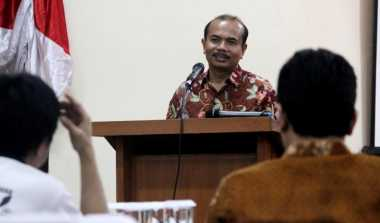 \   Punya 604 PNS, Andrinof Yakin Mampu Hadapi Tantangan Jokowi   \