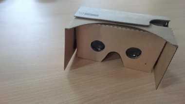 Menilik Google Cardboard, Sensasi VR dalam Kotak Kardus
