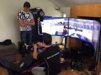 Pembalap Rookie Girang Jajal Simracing