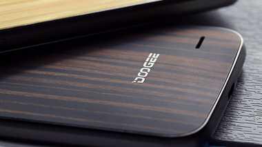 Mengekor OnePlus 2, Doogee F3 Pro Gunakan Penutup Kayu