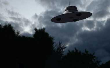 10 UFO Terekam Kamera 'Menari' di Langit Jepang