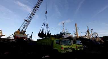 \Alasan Importir Gemar Timbun Barang di Pelabuhan\