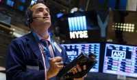 Walau Volatil, Pasar Saham AS Menguat Pekan Ini