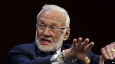 "Buzz Aldrin Rancang ""Master Plan"" Pemukiman di Mars"