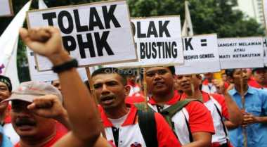 \Ramai PHK, Menteri Jokowi Harus Lebih Sensitif\