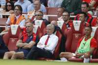 Bursa Transfer Menggila, Wenger Pilih Menghindar