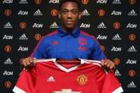 Legenda Liverpool Sindir Transfer United