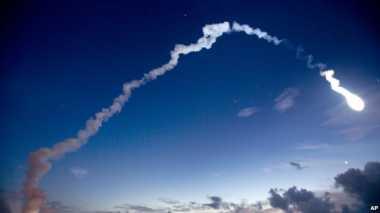 Cahaya Spektakuler Muncul saat Peluncuran Satelit