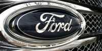 Ford Kembangkan Mobil yang Bisa Parkir Sendiri