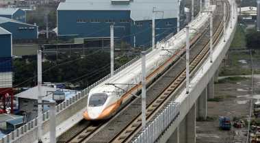 \Kereta Api Cepat Jakarta-Surabaya, Gandeng Jepang atau China?\