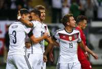 Dua Gol Gotze Antar Jerman Gusur Polandia