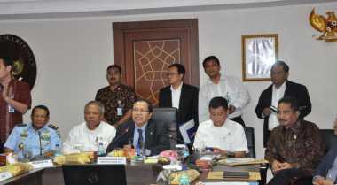 \Rizal Ramli Sebut Tokoh Maluku Tolak Floating LNG di Blok Masela\