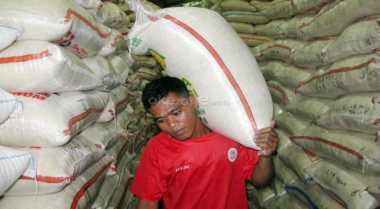 \Pasokan Beras Impor Disiapkan dari Vietnam & Thailand\