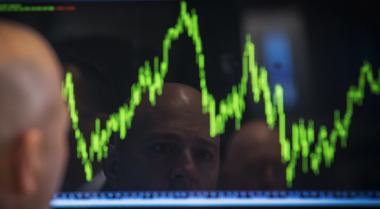 \Wall Street Jatuh Tersandung Anjloknya Sektor Energi\