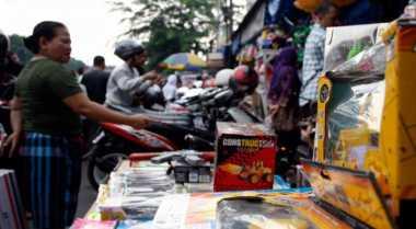 \Solusi Agar Pedagang Tradisional Tak Digilas Indomaret dan Alfamart\