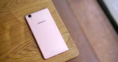 Inilah Ponsel Rose Gold Rasa Android