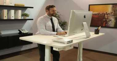 Terhubung Smartphone, Meja Robotik Mudahkan Pekerjaan Kantor