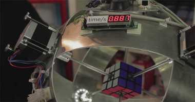 Robot Ini Selesaikan Teka-Teki Rubik Hanya 0,887 Detik