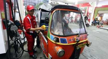 \Harga BBM Premium Seharusnya Turun Jadi Rp5.200/Liter\