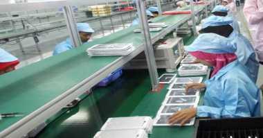 Melihat dari Dekat Pabrik Smartphone Pertama di Indonesia