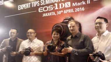Kamera 1D X Mark II Sasar Kalangan Profesional