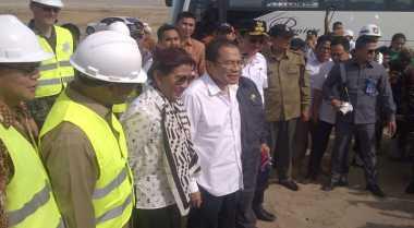 \Reklamasi Dihentikan, Rizal Ramli Ajak Susi hingga Ahok Datangi Teluk Jakarta\