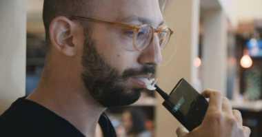 Seperti Inilah Bentuk Smartphone Rokok Pertama di Dunia