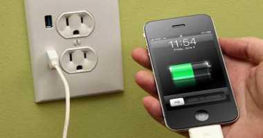 Lima Solusi Bila Baterai Ponsel Sulit Diisi Ulang
