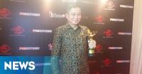 Menteri Jonan Raih Penghargaan Tokoh Fenomenal di iNewsMaker Awards 2016