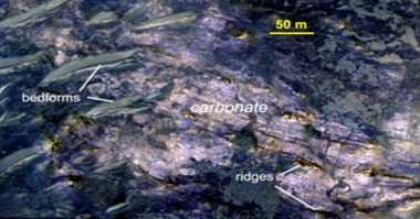 Bukti Baru Kuatkan Adanya Aliran Air di Mars