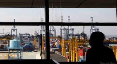 \New Priok Container Terminal I Uji Coba Pelayaran Internasional\