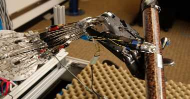 Peneliti Ciptakan Tangan Robotik Mirip Tangan Asli