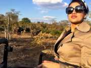 FOTO: Farah Quinn Berwisata Safari di Afrika
