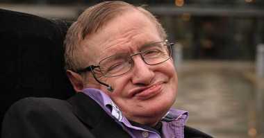 Stephen Hawking: AI Harus Dirancang Etis