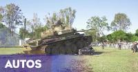 Kecewa, Suami-Istri Lindas Mobil Mereka dengan Tank