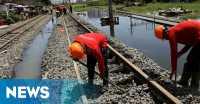 Kemenhub Perbaiki Rel yang Rusak Akibat Diterjang Banjir