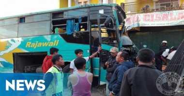 Bus Tabrak Mobil di Ciamis, Dua Orang Tewas