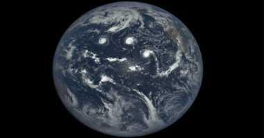 Video EPIC Wajah Bumi dari Angkasa dalam Setahun
