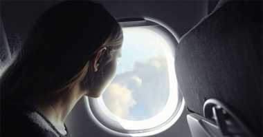 Tahukah Anda Alasan Jendela Pesawat Harus Dibuka saat Takeoff & Landing?