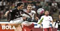 Carlos Bacca Pilih PSG ketimbang Barcelona