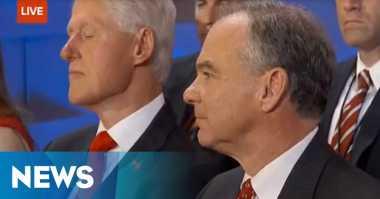 """Bill Clinton Tertidur Pulas Mendengar """"Bualan"""" Hillary di Konvensi Demokrat"""