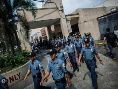 Polisi Filipina Dilarang Mengupil dan Menggaruk di Depan Umum