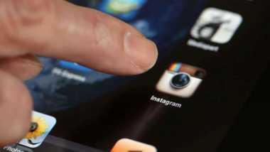 Iran Tahan 450 Pengguna Instagram dan WhatsApp