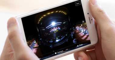 Facebook Uji Video Autoplay dengan Suara untuk iOS