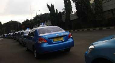 \Taksi Online Bisa Plat Hitam\