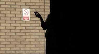 \TERPOPULER: Perokok Berkurang 30% Jika Harga Rokok Naik\