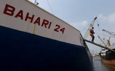 \Menko Maritim Apresiasi Produktivitas Bongkar Muat Pelindo IV\