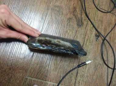 Galaxy Note 7 Dilaporkan Meledak saat Di-Charge