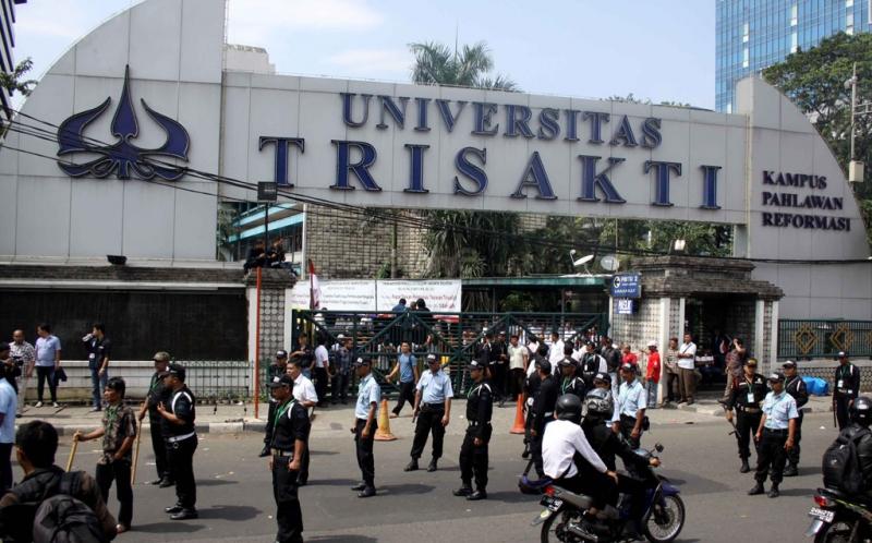 Rektor Trisakti versi Yayasan Siap Mundur