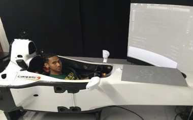 Hadapi GP Belgia, Sean Gelael Berlatih dengan Simulator